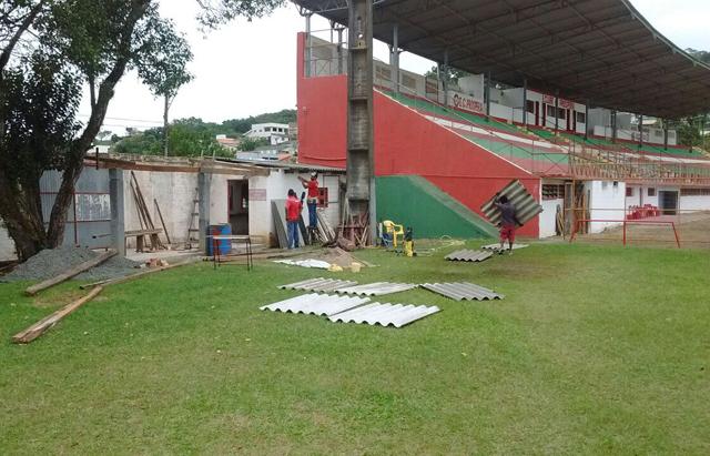 Reformas a todo vapor no Estádio Mário Balsini