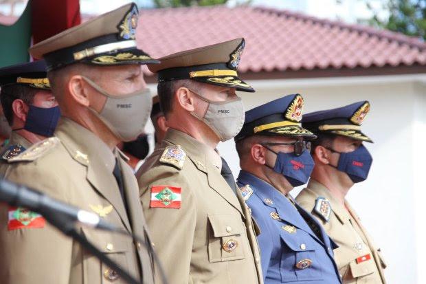 Oficiais e praças da PMSC e do CBMSC são promovidos no Dia de Santa Catarina