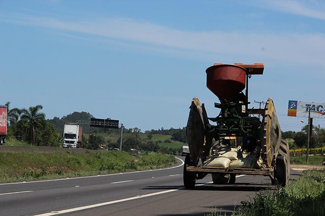 Agricultores devem atentar às normas de segurança na BR-101 Sul/SC