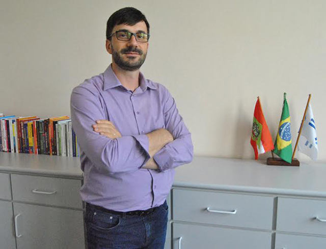 Professor da Unisul publica texto em revista internacional