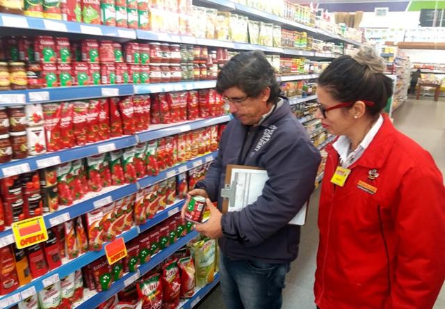 Procon fiscaliza molhos e extratos de tomate em supermercados
