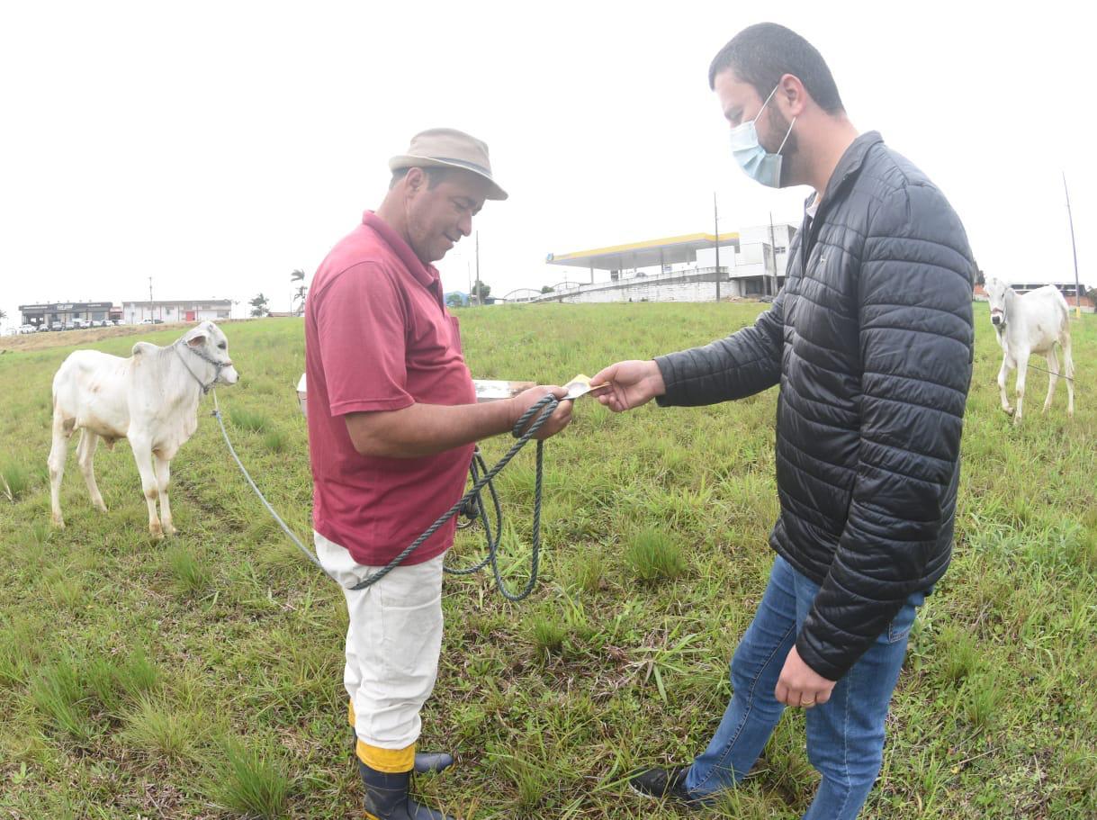Alex e Bia apresentam planejamento estratégico para a agricultura içarense