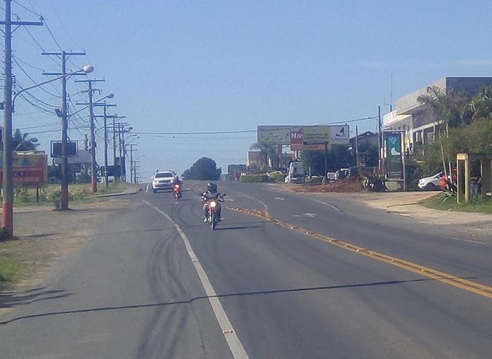 Motociclista fratura perna em acidente na SC-445