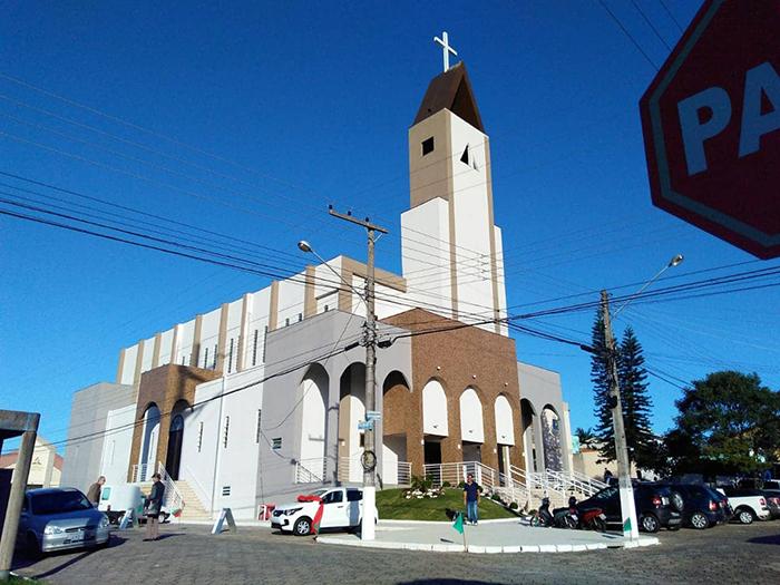 Igreja é reinaugurada em  festa da padroeira de PV
