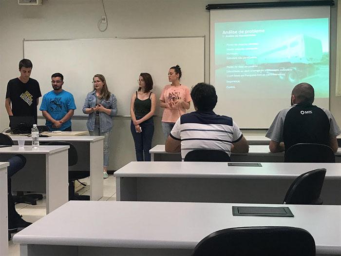 Grupos apresentam propostas iniciais do projeto Implementos do Futuro