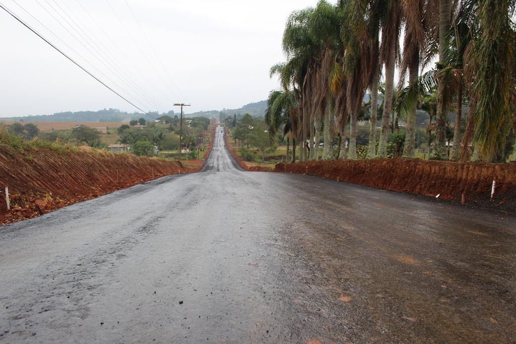 Pavimentação asfáltica da ICR-476 em Terceira Linha deve ficar pronta em junho