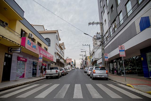Rua Anita Garibaldi passará a ter duplo sentido em área central de Içara