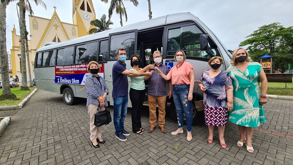 Governo de Siderópolis adquire ônibus para Secretaria de Assistência Social