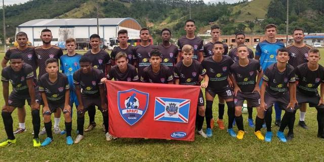 Sub-15 da Fundação Municipal de Içara fica em quarto lugar em torneio