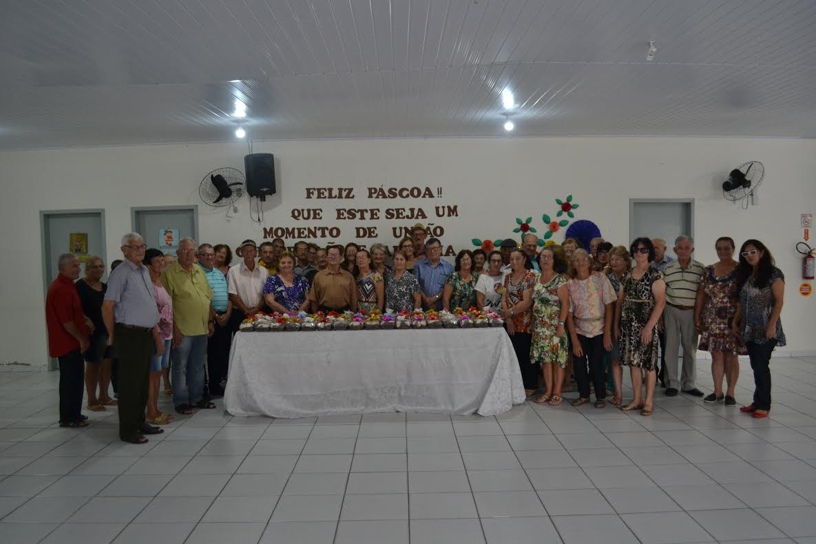 Grupo da Terceira Idade de Jacinto Machado comemora Páscoa