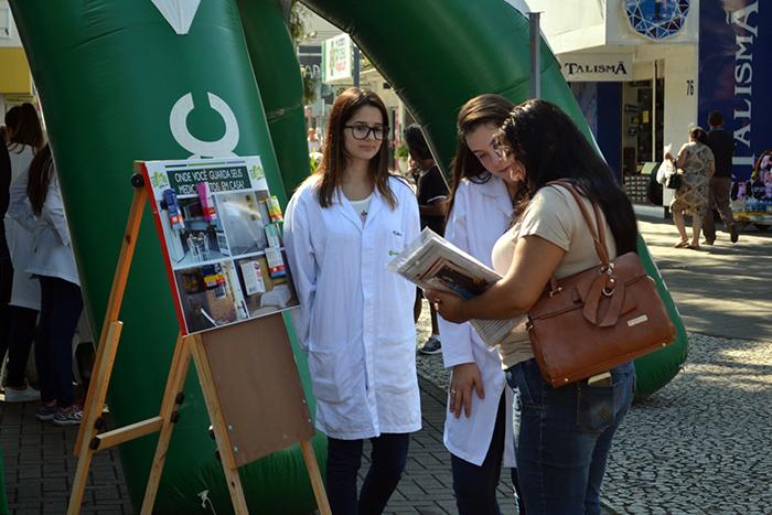 Unesc leva orientações sobre o uso racional de medicamentos para a população