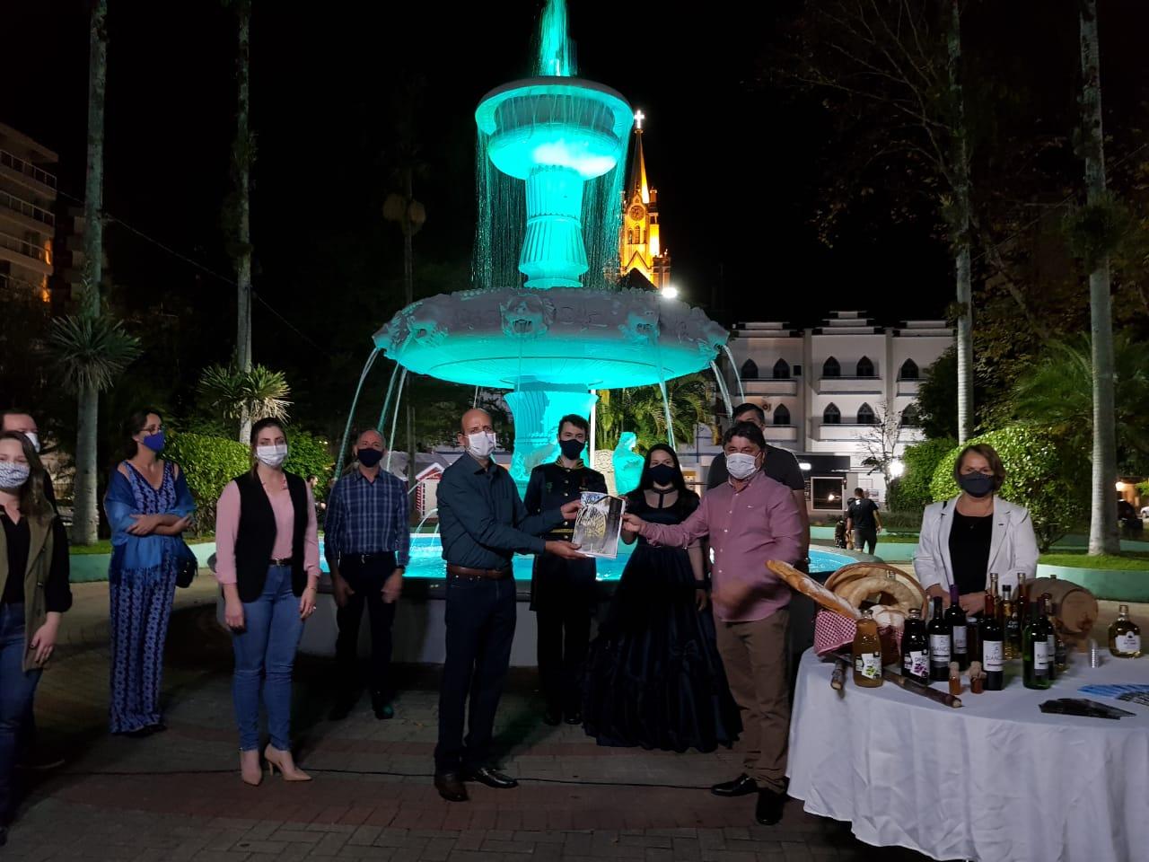Unibave entrega ao governo municipal o Plano de Turismo de Orleans