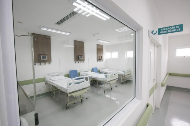 Internação para tratamento da covid-19 dobrou em um mês em SC