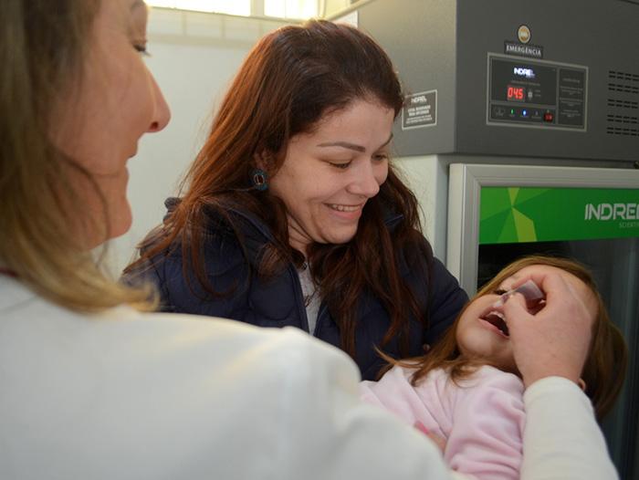 Crianças e gestantes devem se vacinar contra a gripe