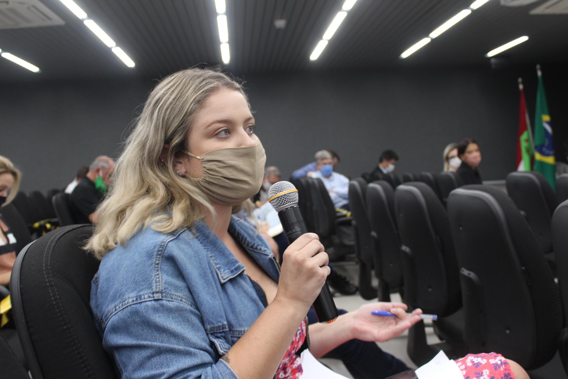 Vereadora Giovana solicita melhorias no combate a covid-19 em Criciúma