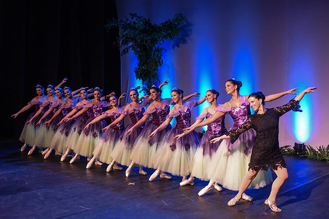 Memórias da dança embalam o  23º Espetáculo de Dança Viviane Candiotto