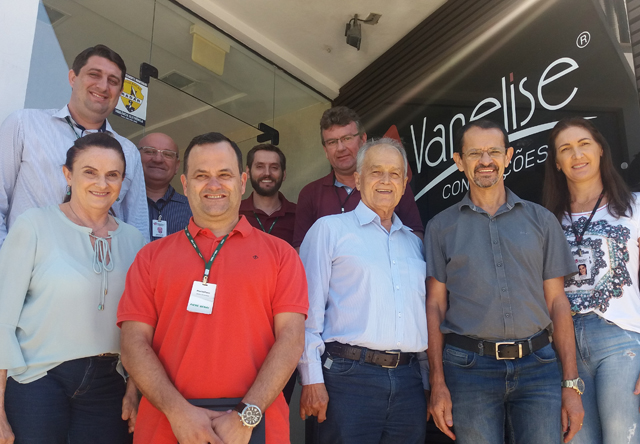 Comitiva da FIESC visita a empresa Vanelise de Nova Veneza