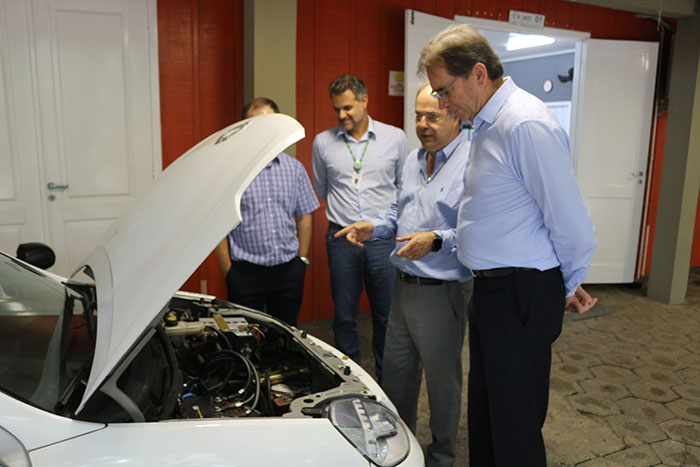 Comitiva da Fiesc conhece projetos de Inovação da Satc