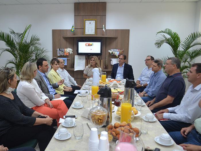 Unesc dialoga com presidente e lideranças da Fiesc