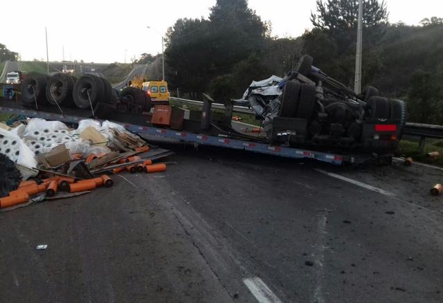 Caminhoneiro de Criciúma morre em acidente no Paraná