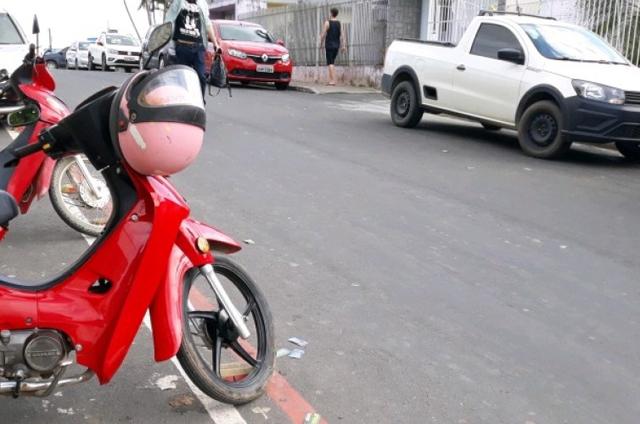 Eleitores cometem infração de trânsito no bairro Jardim Elizabete