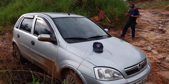 Carro tomado em assalto é localizado