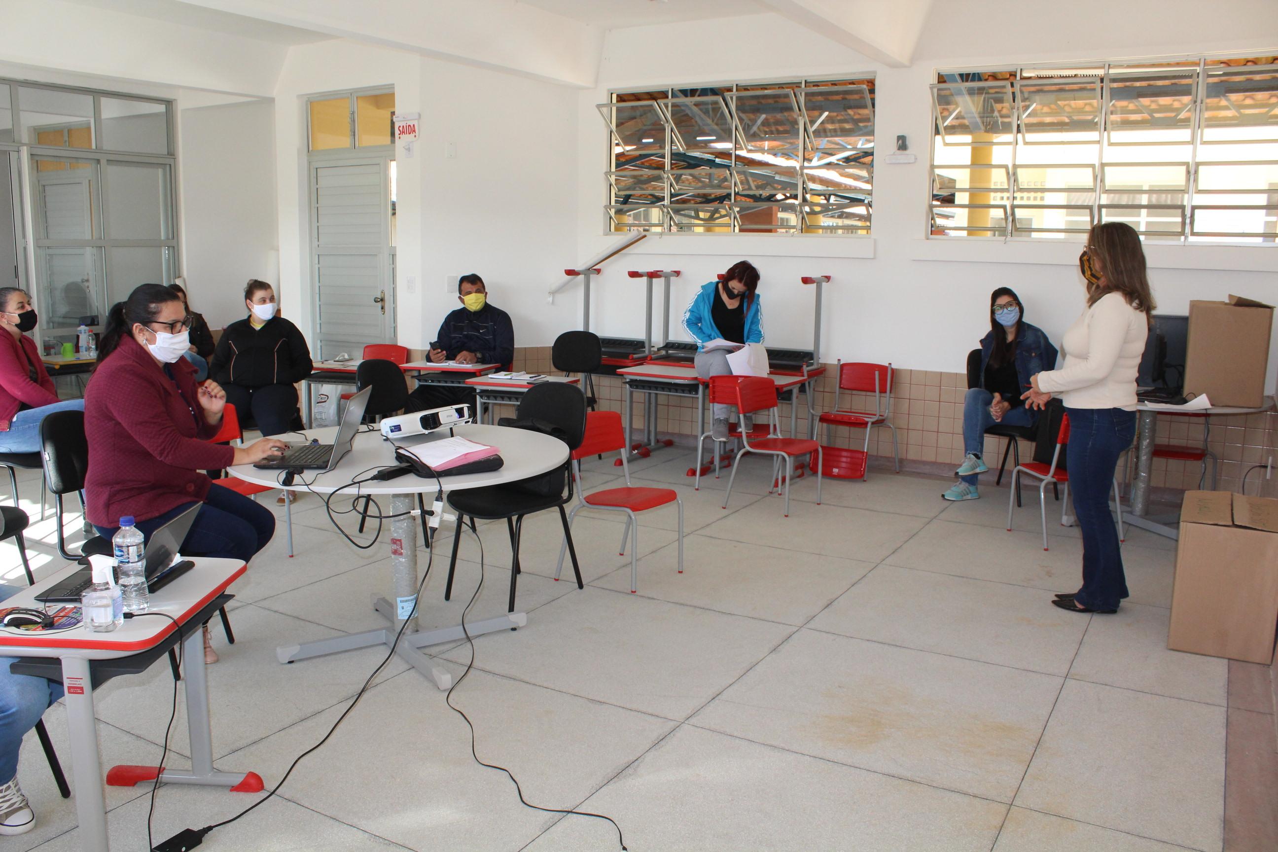 Avança o projeto pedagógico não presencial da Rede de Ensino de Maracajá
