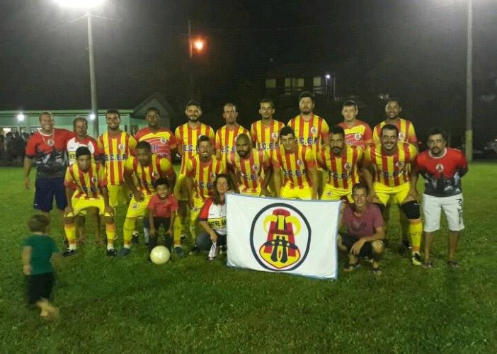 Entre Amigos garante classificação à semifinal em Vila Alvorada