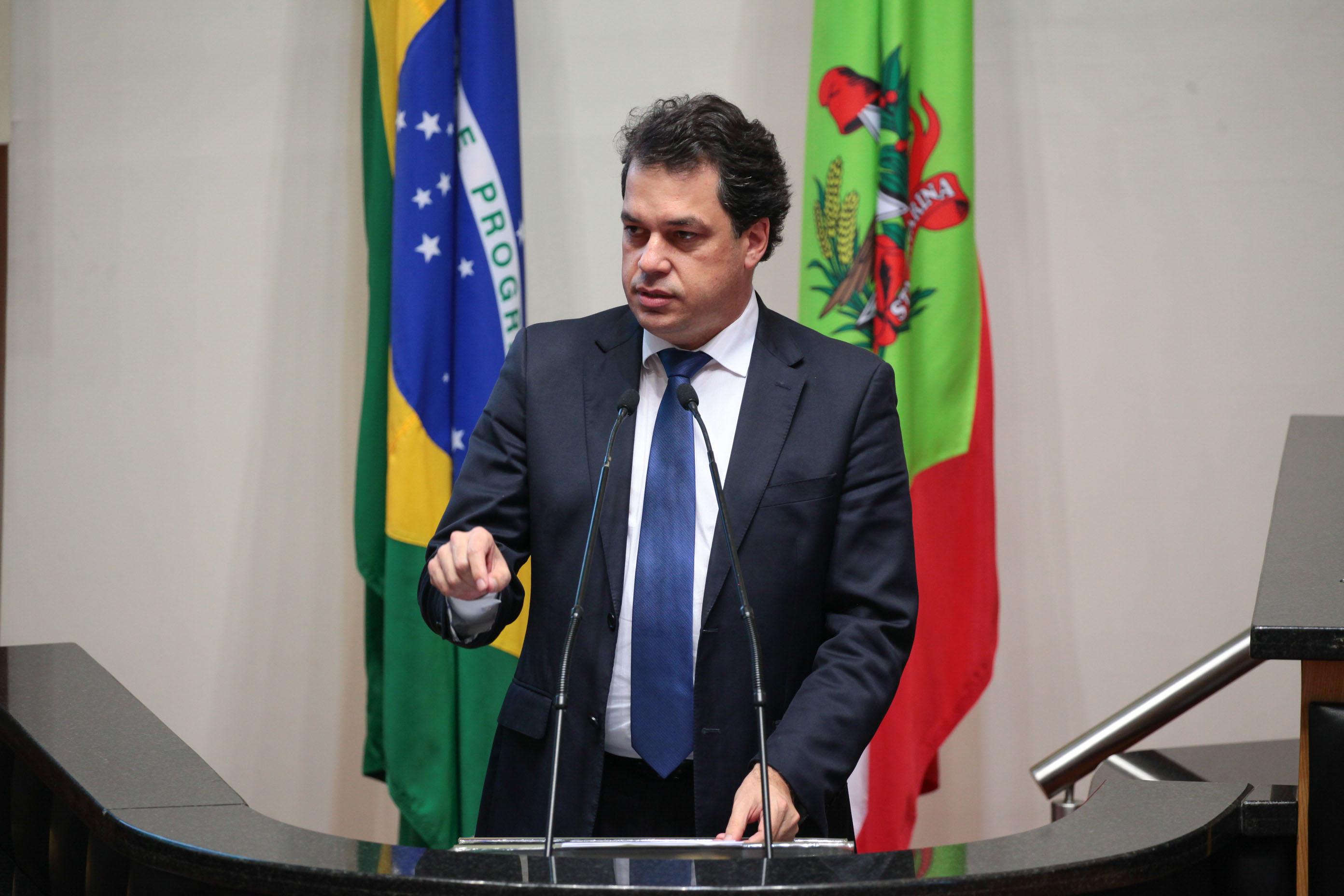 Deputado Rodrigo Minotto é contra o distritão