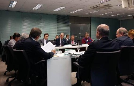 Evasão escolar é discutida em reunião