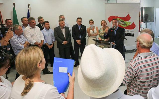 Governador inaugura 43 leitos no Hospital de Joinville