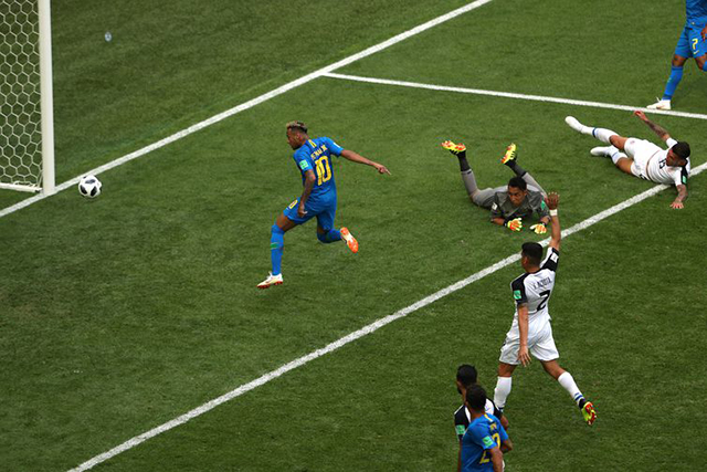 Seleção Brasileira sofre, mas vence a Costa Rica por 2 x 0