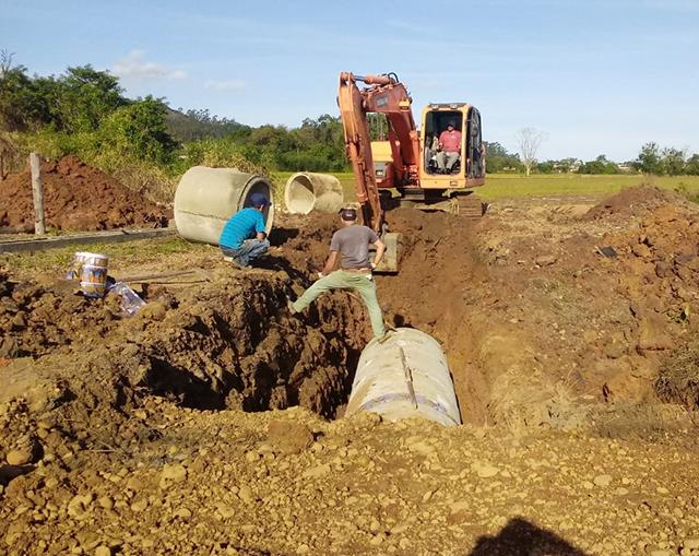 Obra de prevenção a enchentes é executada em Maracajá