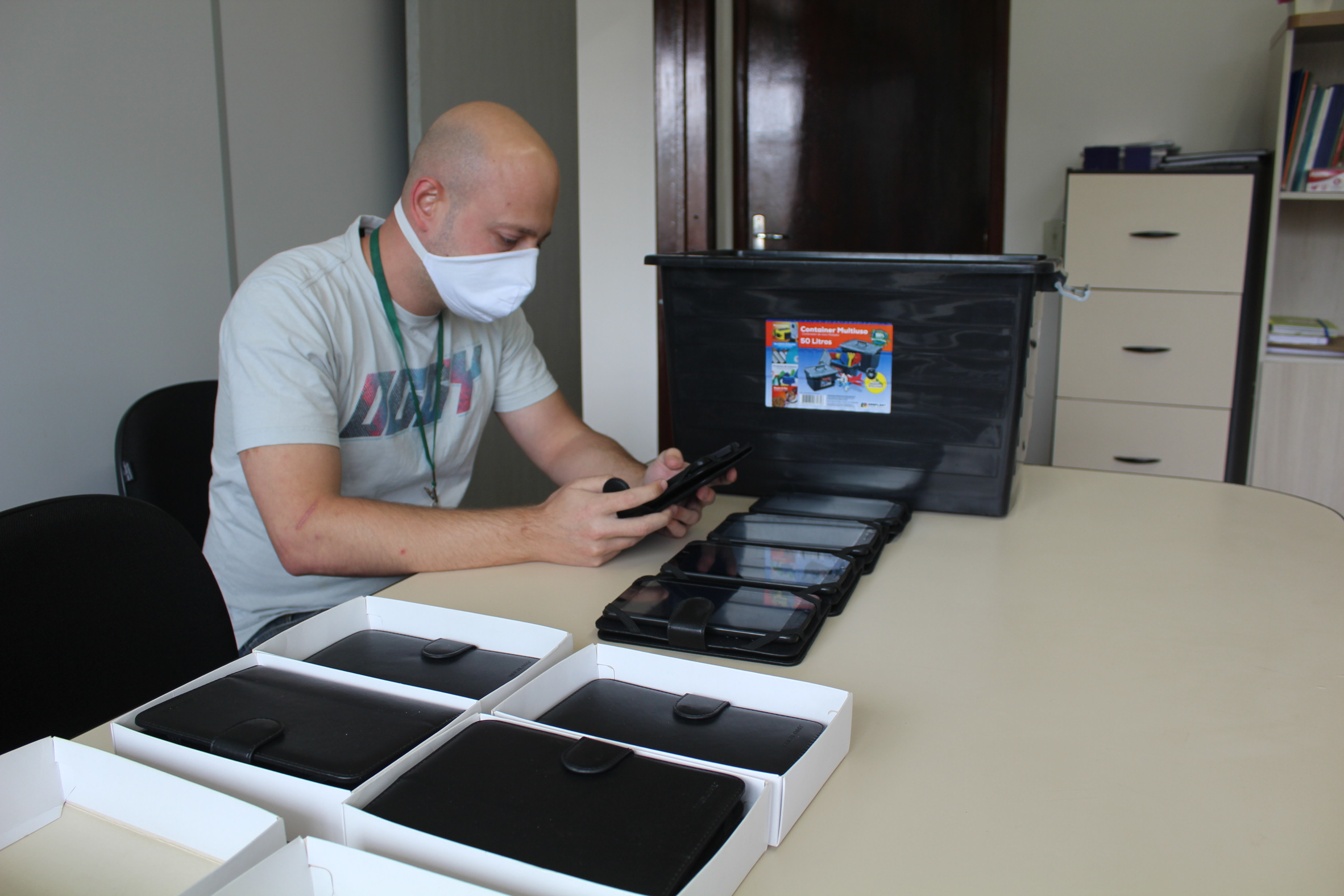 Estudantes de Maracajá passam a utilizar a plataforma IntecEdu da UFSC