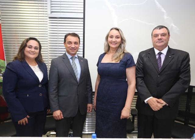 Moisés e Daniela prestigiam posse da nova procuradora-geral do Estado