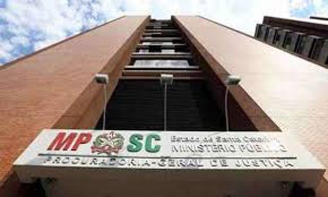 Ex-secretário de Administração e empresários são condenados em ação penal