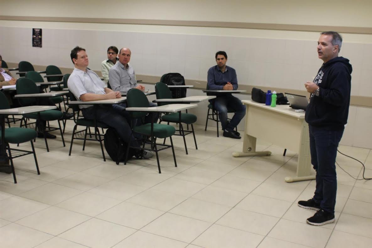 Oficinas de Aprendizagem capacitam professores da Satc