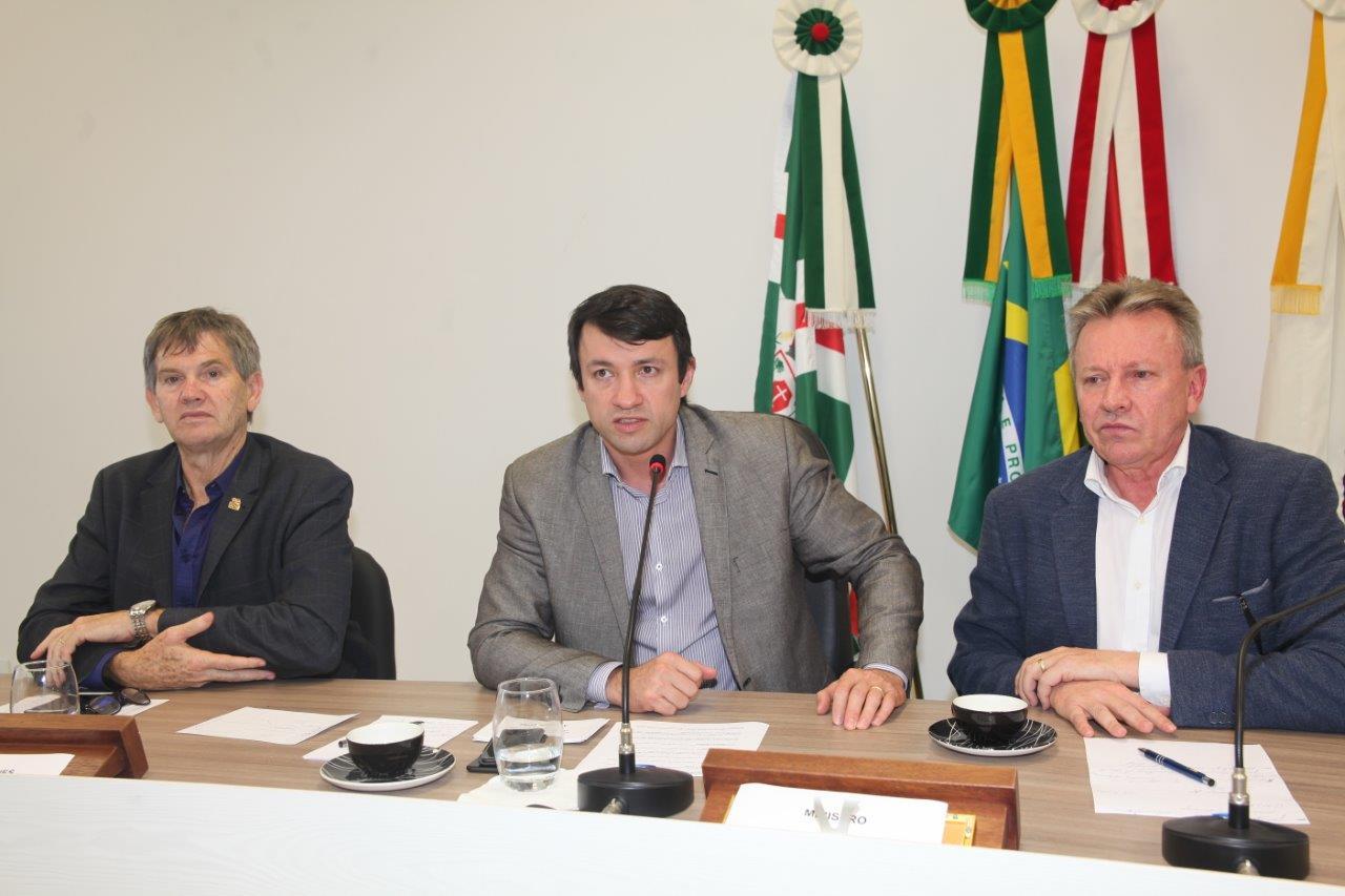 Ministro da Agricultura anuncia diálogo com a União Europeia