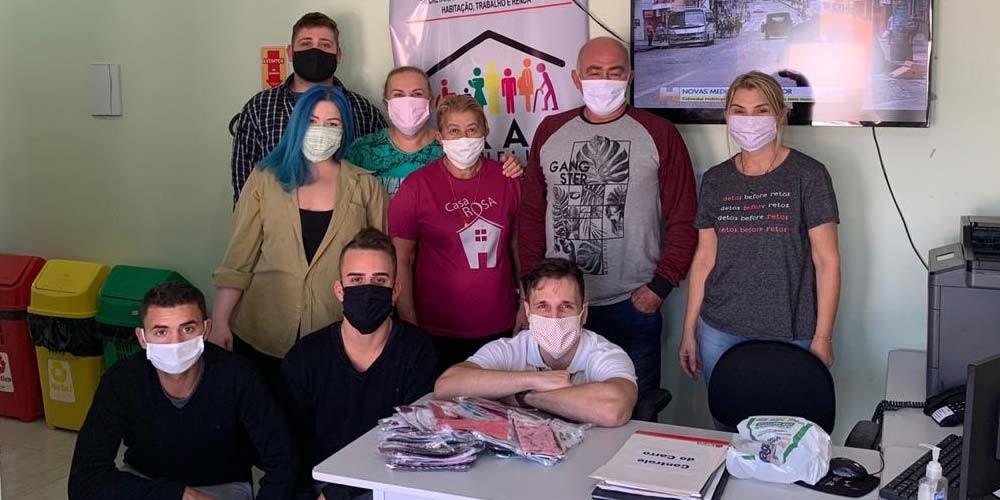 Içara Solidária: Cras recebe máscaras da Tecnocar para doação em Jaqueline