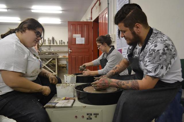 Projeto Armazém chega à Unesc com oficinas para artistas