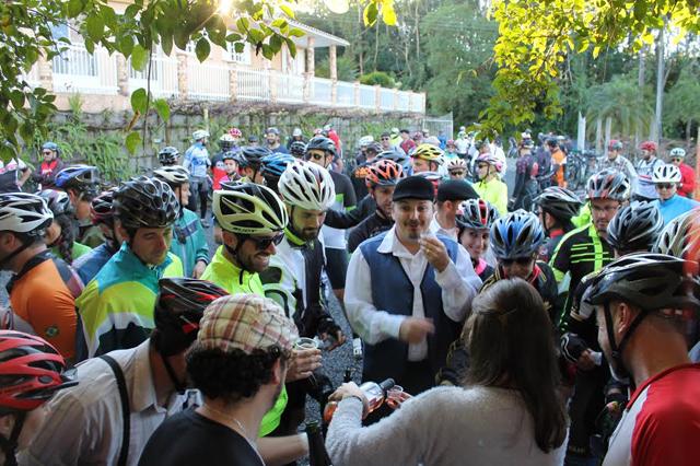 Passeio Ciclístico caminhos do Vinho Goethe
