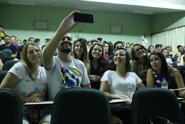 Curso de Jornalismo da Faculdade Satc completa dez anos