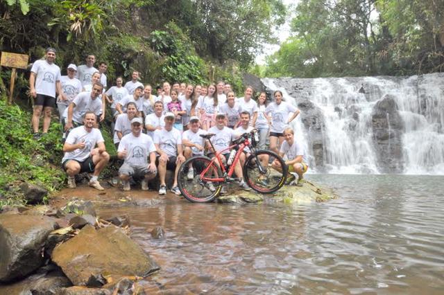 Colaboradores do Sicoob Credija promovem passeio ciclístico