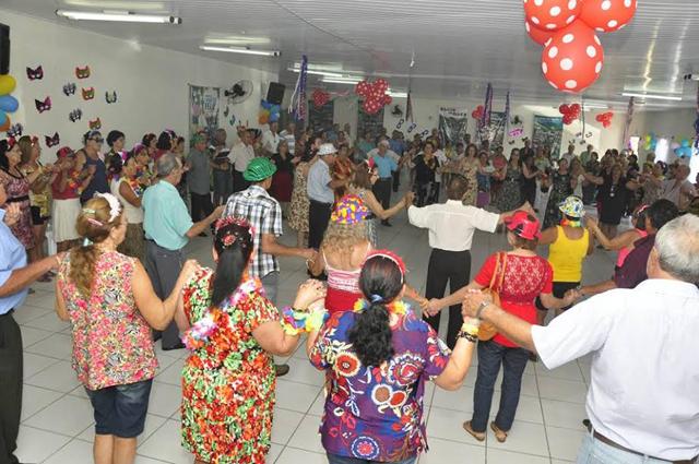 Grupo da 3ª Idade de retoma atividades com festa de carnaval