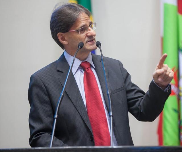Saretta defende criação do Dia Estadual da Pessoa Ostomizada