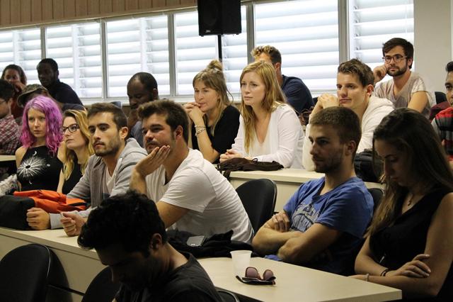 Udesc abre vagas para matérias em inglês no Esag