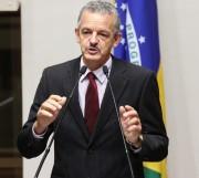 Colombo envia proposta que congela gastos por dois anos