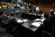 CCJ aprova projeto que reajusta salário mínimo regional