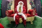 Alunas de Design de Moda criam novos trajes de Papai Noel