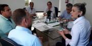 Tati Teixeira dialoga sobre pauta empresarial de Içara e região